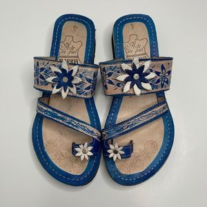 Shoes - Mexican Sandal with slight wedge size 7